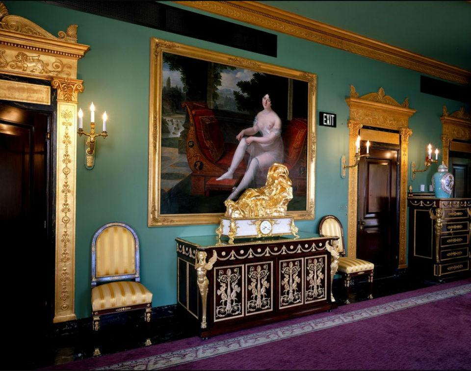 Pauline Bonaparte Borghese par Louis Benjamin Marie Devouges.jpg