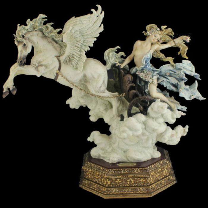 Аврора - Джузеппе Армани - Италия - Armani Figurine Aurora.jpg