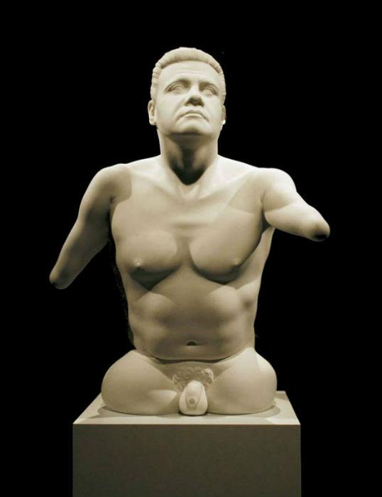 14-Скульптура призера параолимпийских игр Питера Халла.jpg