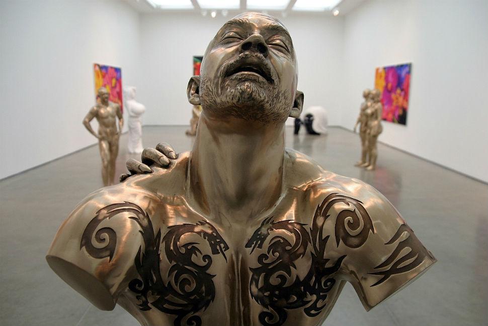 Работы Марка куинна в галерее White Cube.jpg