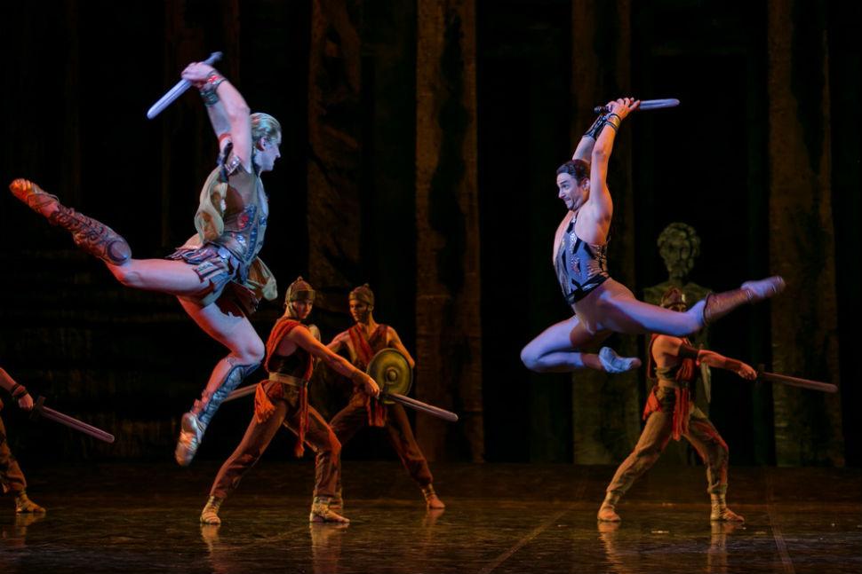Сцена из балета Спартак.jpg