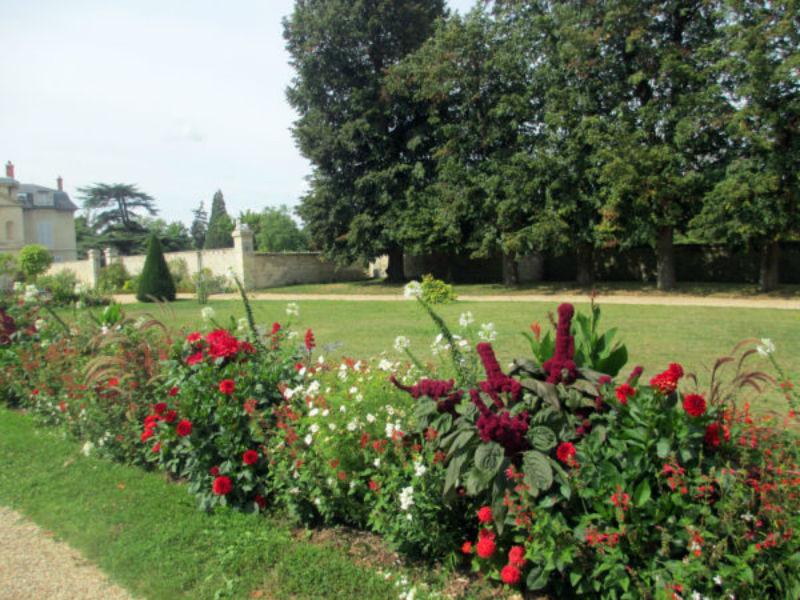 Сад дворца Мальмезон.jpg