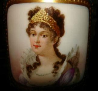Чашка с портретом Жозефины Богарне - Франция - Севр - середина 19 века.jpg