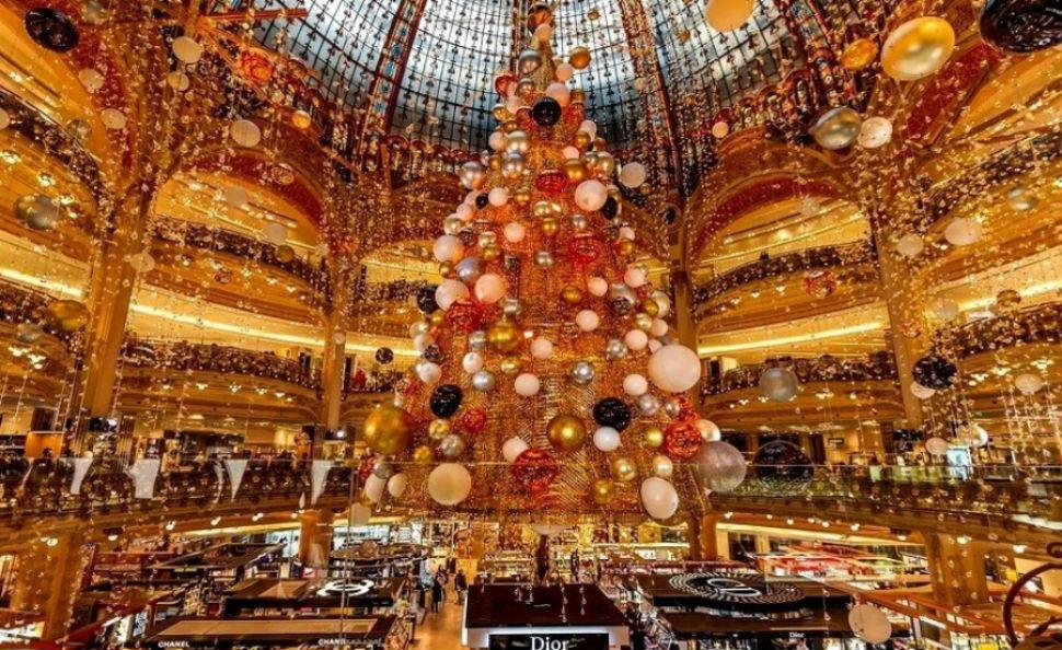 Рождество в Париже.jpg