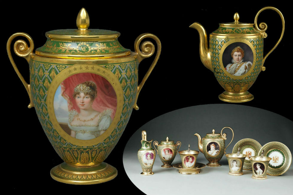 Le-delicat-cadeau-de-l-imperatrice-Marie-Louise-a-Letizia - Кабарэ - небольшой кофейный сервиз с изображением Марии-Луизы Наполеона и женщин его семе…