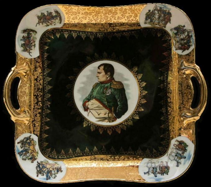 Блюдо - Тарелка с декоративными ручками - Наполеон - фарфор Parbus Германия.jpg