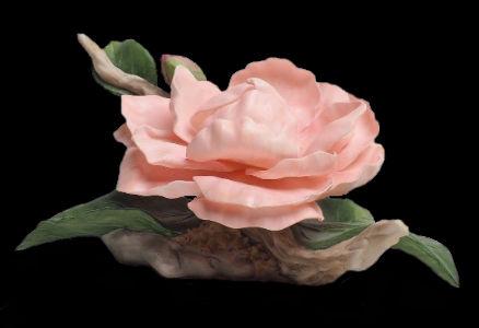 Фарфоровый цветок камелии  Boehm Pink Camellia Violetta in la Traviatta.jpg