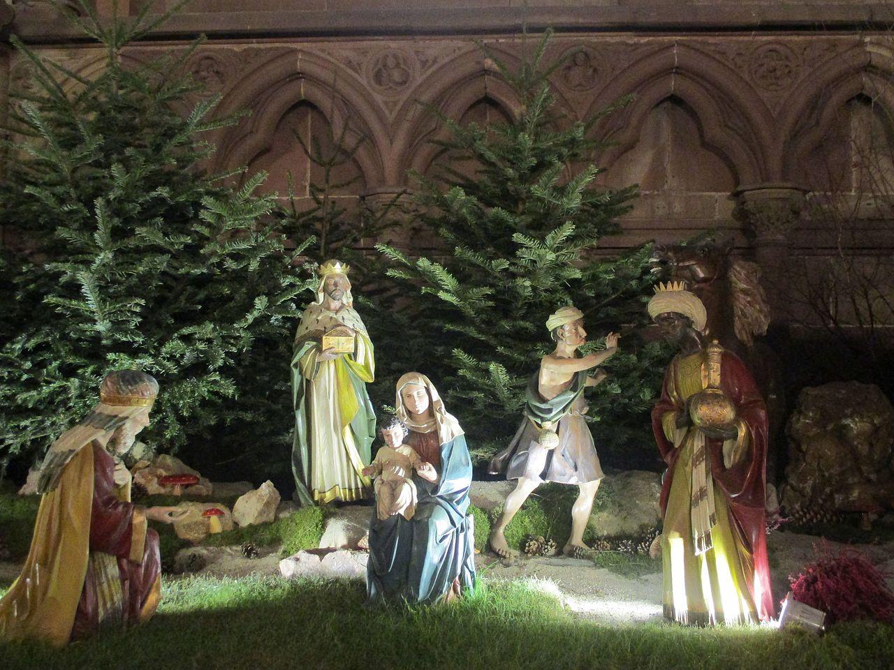 Рождественские ясли в Страсбургском соборе - фото Thomon.jpg
