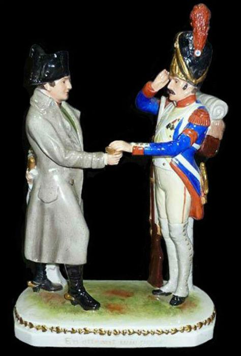 Наполеон угощает гвардейца табачком - Германия - Тюрингия - Scheibe-Alsbach - 1945-1972.jpg
