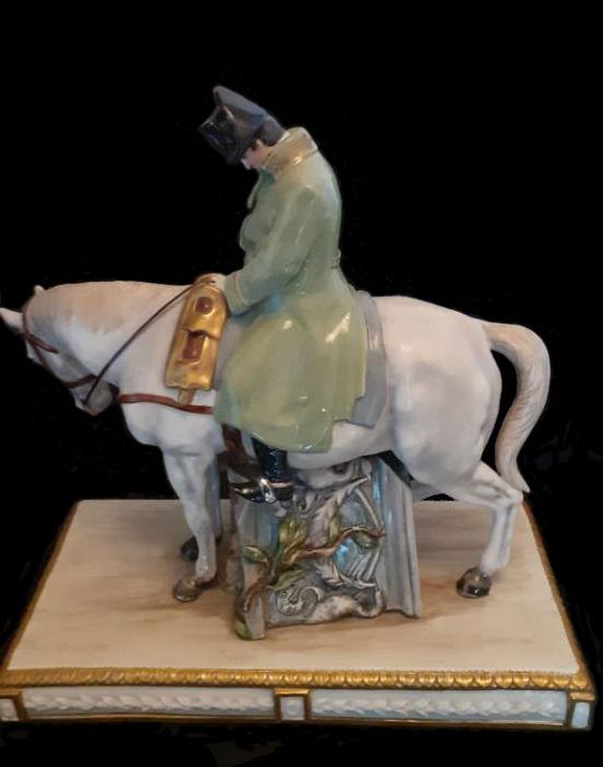 Наполеон на лошади Италия Capodimonte.jpg