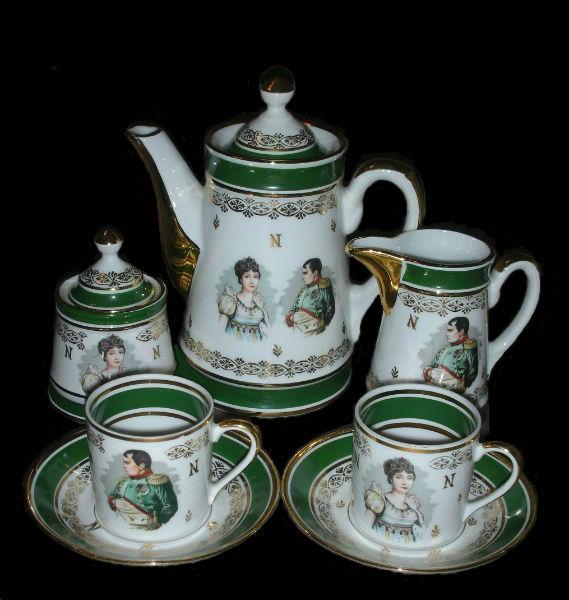 Чайный набор тет-а тет Наполеон и Жозефина - Франция.jpg