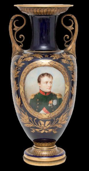 Ваза с портретом Наполеона - Севр XIX век.jpg