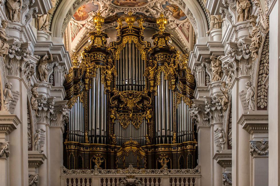 Собор Святого Юра - интерьер - 2.jpg
