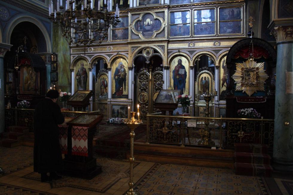 Iconostasis in Church of Saint George in Lviv.jpg