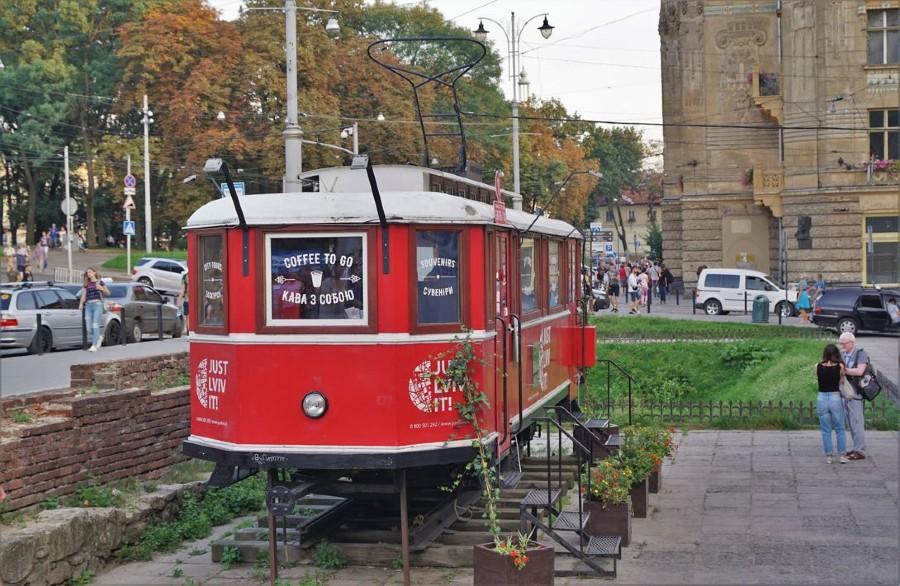 старый львовский трамвай.jpg