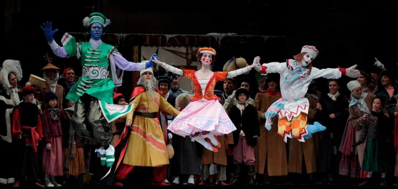 Сцена из балета Петрушка в постановке Большого театра республики Беларусь - 2.jpg