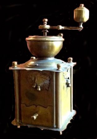 винтажная кофейная мельница 1.jpg