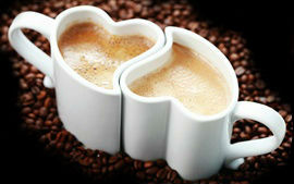 Love-heart-mugs-cappuccino-coffee-coffee-beans_s
