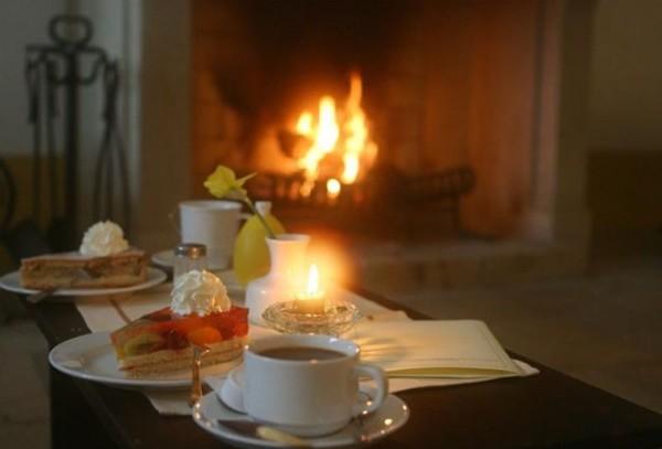 Тепло уюта дома, в душе - покой и лад..