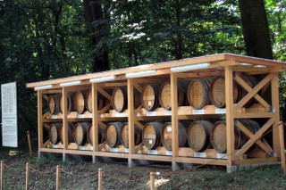 Meiji Jingu, wine offerings