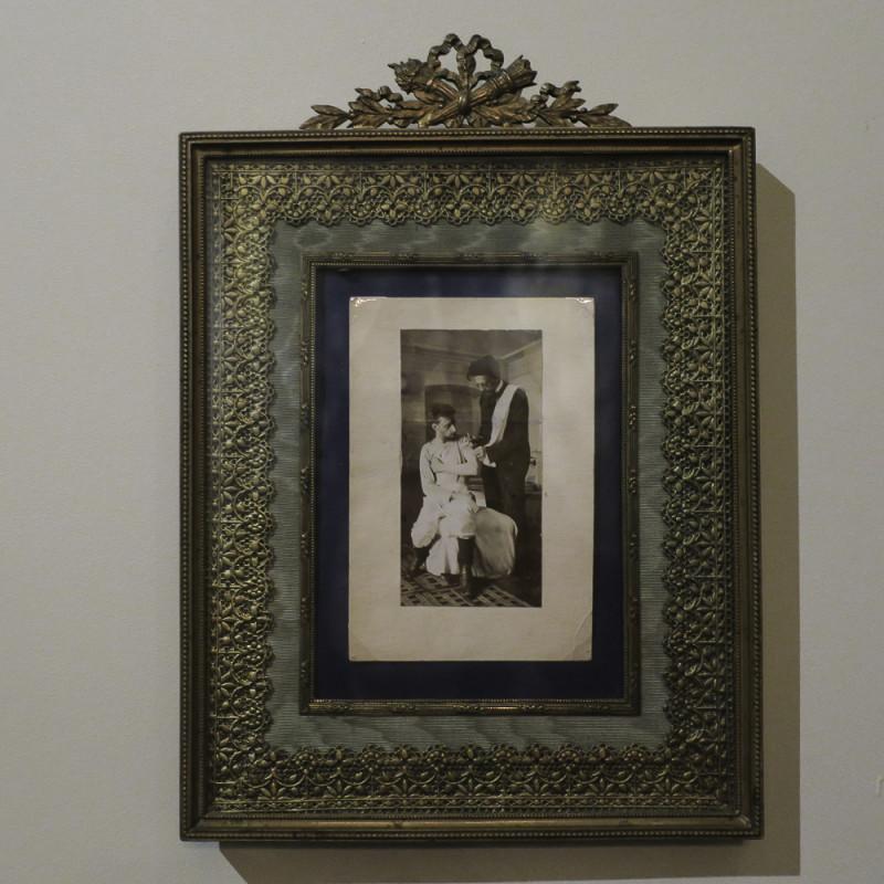 """""""А.П. Чехов делает укол художнику И.И. Левитану"""" на выставке """"100+10"""""""