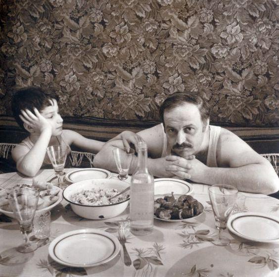 """Мой муж Алик с сыном Сашей. 1988. из серии """"Семейный альбом"""""""