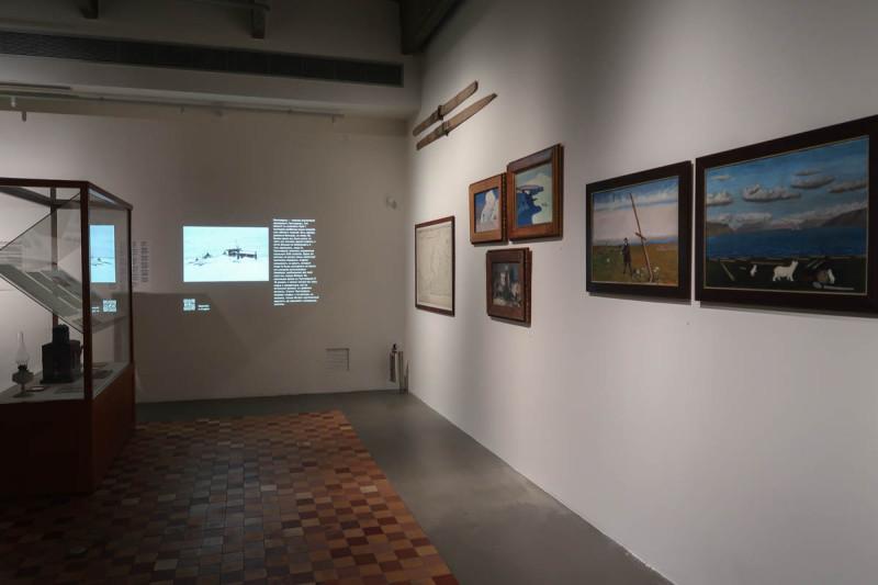 Анна Котомина. Инсталляция-исследование «Председатель Маточкиного шара». 2-ая Триеннале российского современного искусства