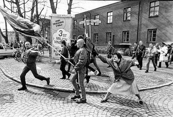 Hans Runesson. 13 April 1985. A Woman Hitting a Neo-Nazi With Her Handbag