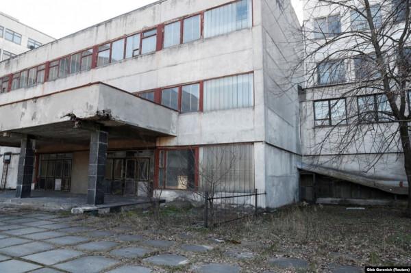Уничтоженный украинством завод по производству аппаратов ИВЛ
