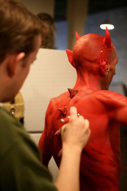 26 июн 2014. 27 июня звезде сериала «ходячие мертвецы» чендлеру риггзу исполняется 15 лет, а снимается он уже четыре года. Нужно сказать, что чендлер не единственный ребенок, ставший главным героем фильмов ужасов, мы знаем еще нескольких.