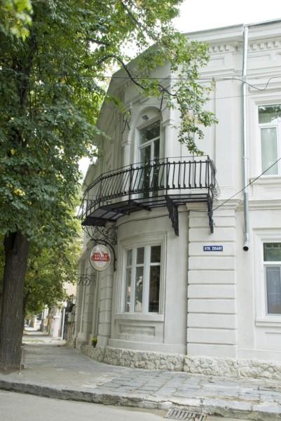 pensiunea-residenza-dutzu356