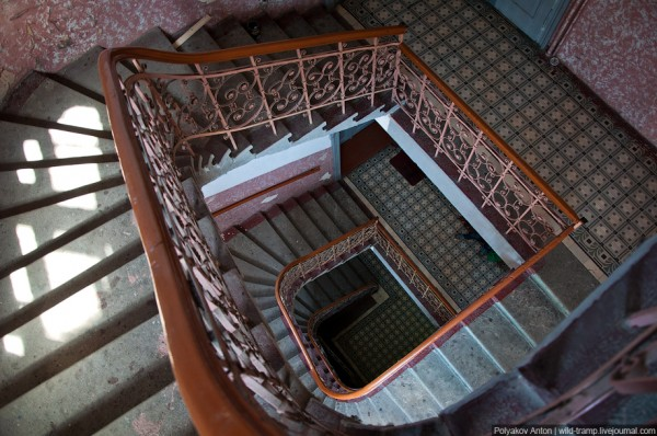 Как рисовать лестницу в доме