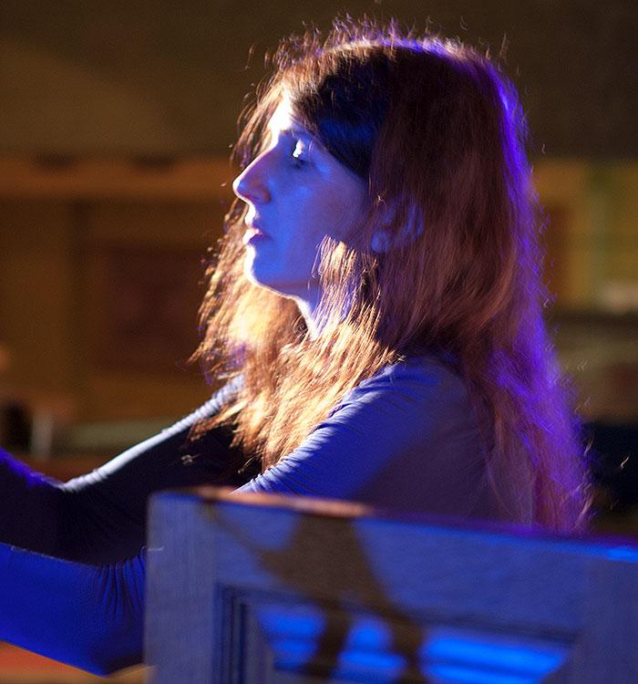 Я, Екатерина Мельникова, за органом