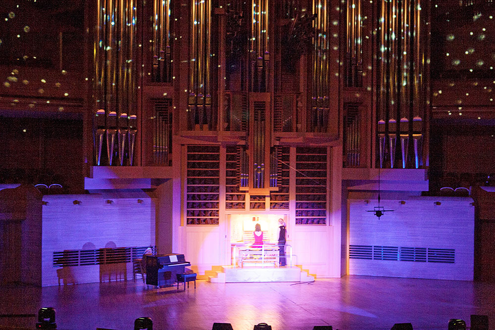 Органное шоу Париж