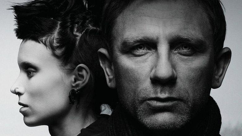 Девушка с тату дракона