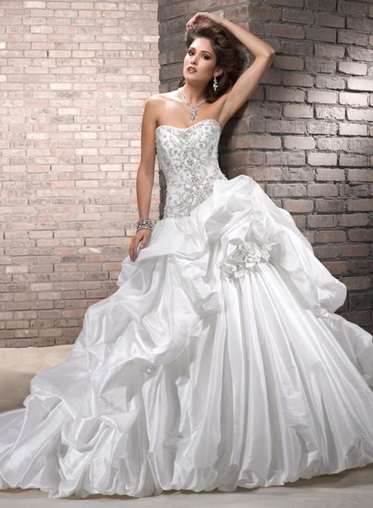 Пышные свадебные платья из коллекции Maggie Sottero 2013 8