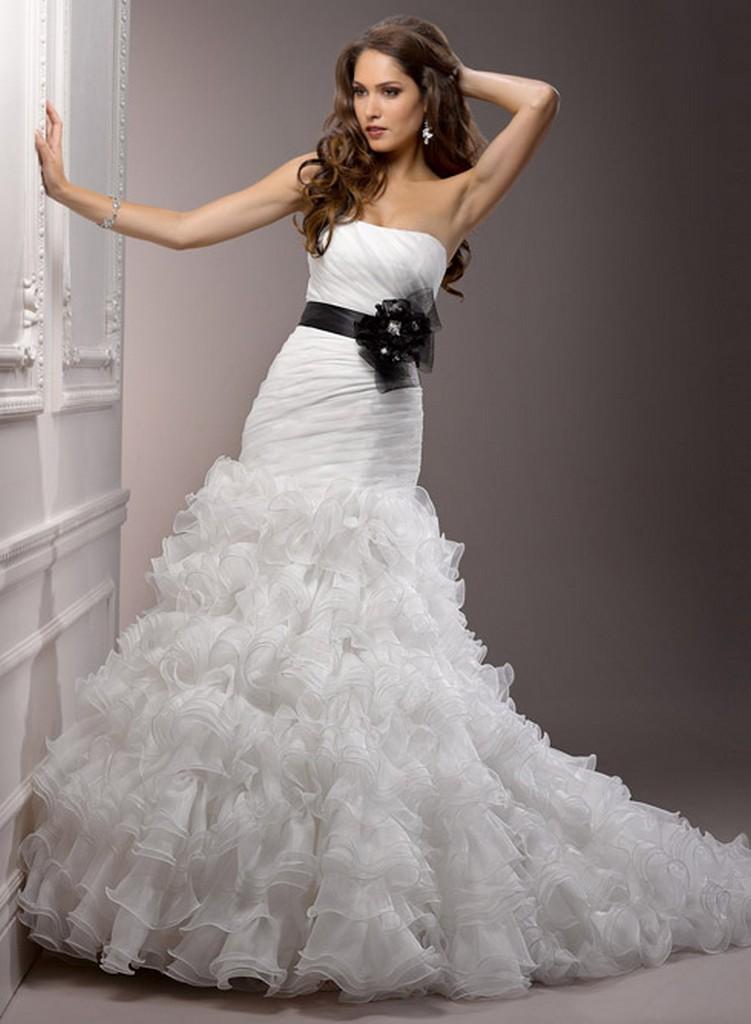 Пышные свадебные платья из коллекции Maggie Sottero 2013 14