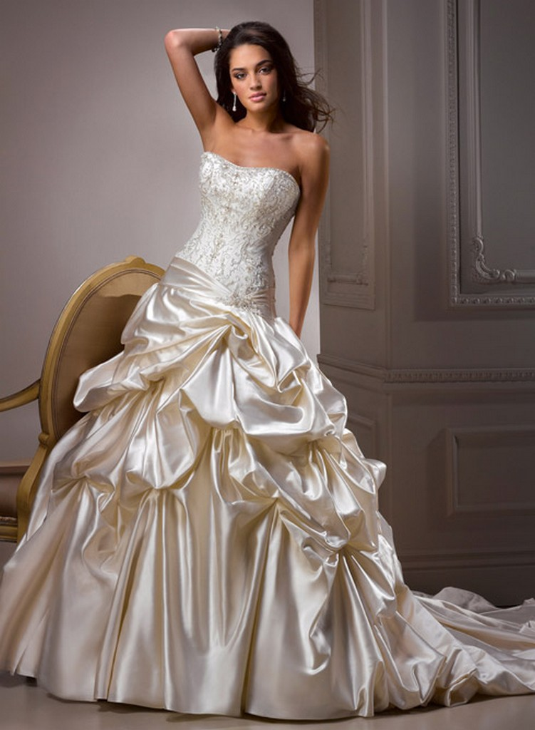 Пышные свадебные платья из коллекции Maggie Sottero 2013 20