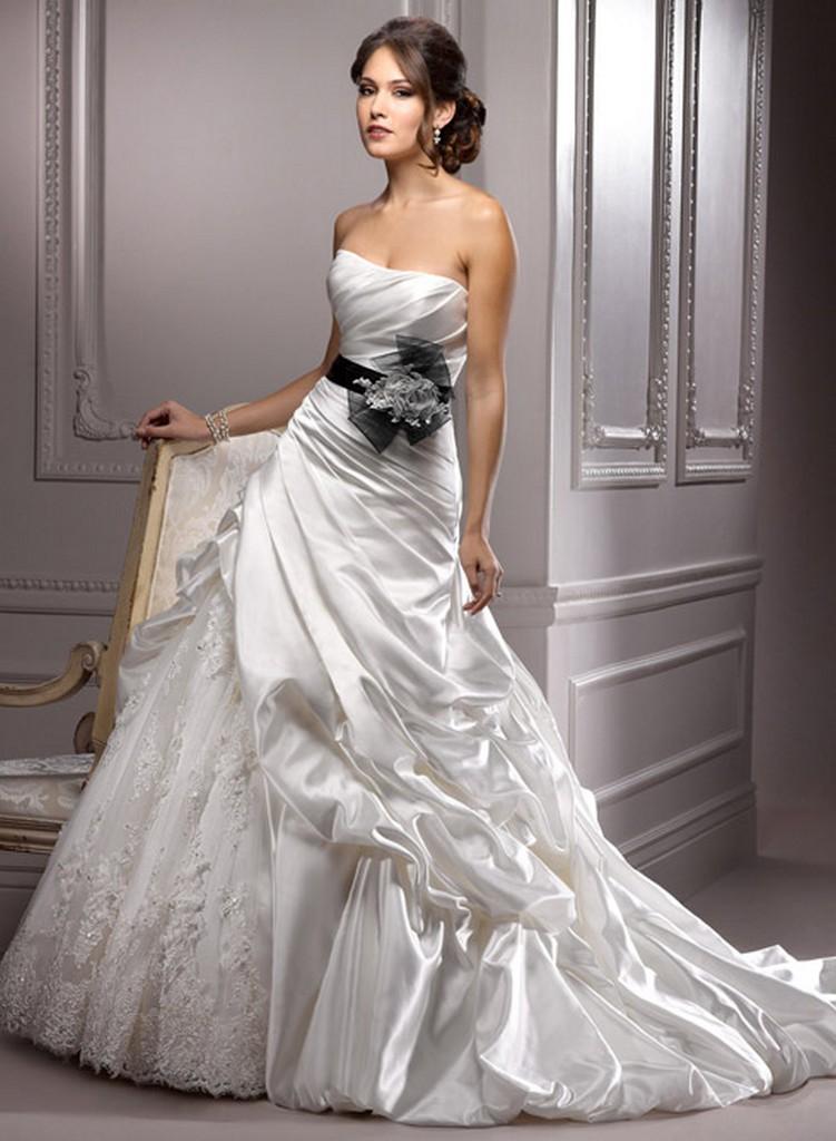 Пышные свадебные платья из коллекции Maggie Sottero 2013 24