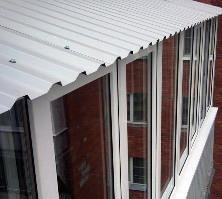 зависимая лёгкая крыша на балкон