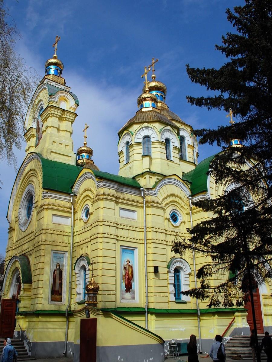 Достопримечательности города - Свято-Воскресенский собор