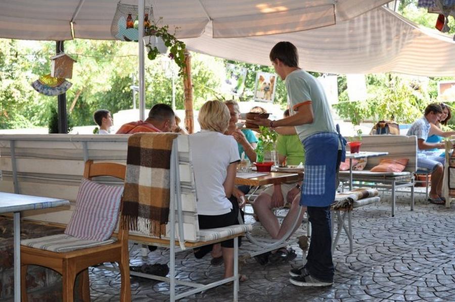 Интерьер кафе Базилик в стиле прованс 1