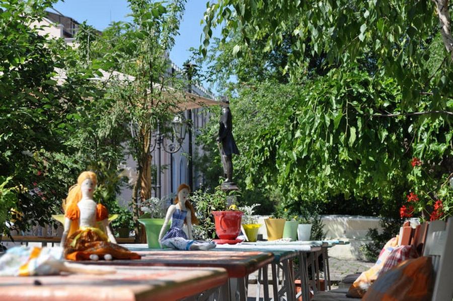 Интерьер кафе Базилик в стиле прованс 3