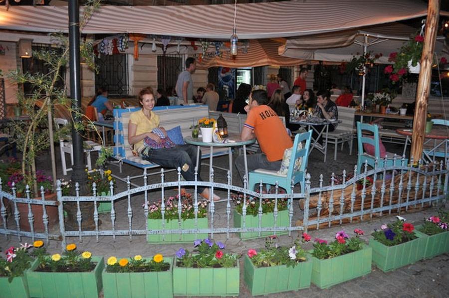 Интерьер кафе Базилик в стиле прованс 5