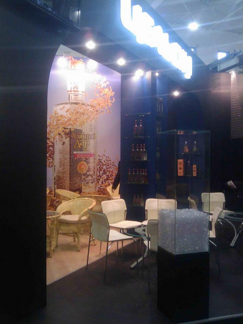 Красивая выставочная мебель нужна каждому 14
