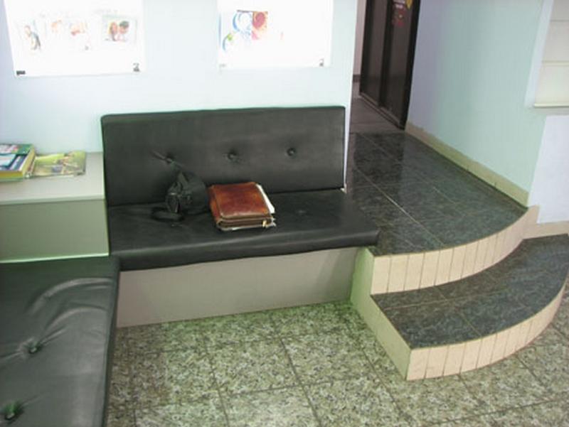 Красивая выставочная мебель нужна каждому 22