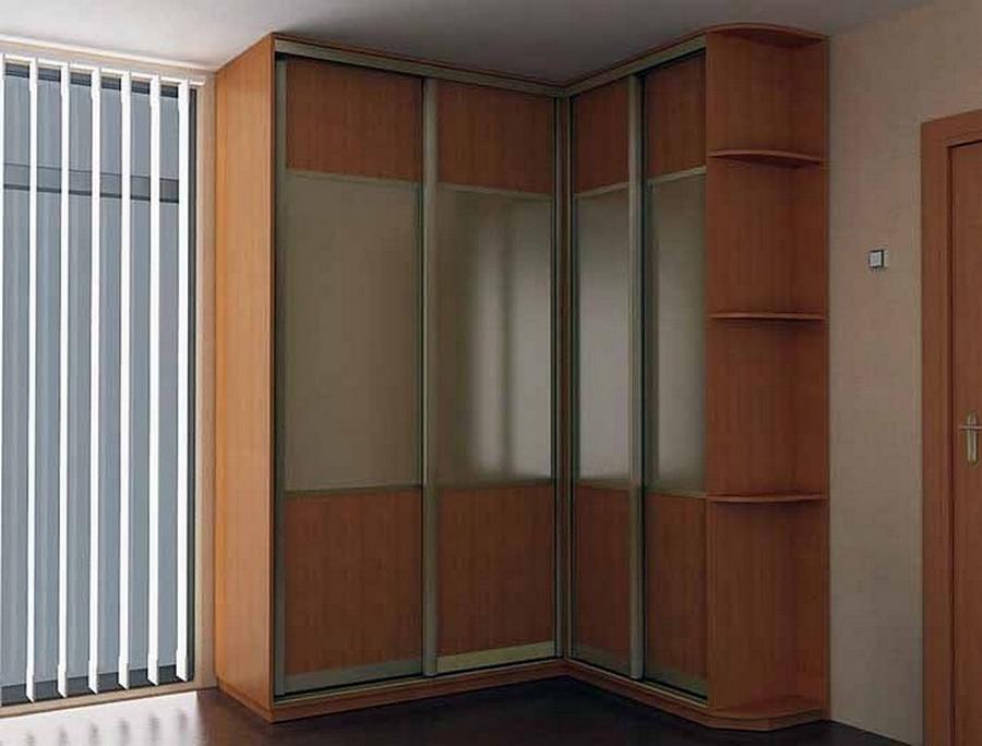 Встроенный угловой шкаф купе в интереьре 2