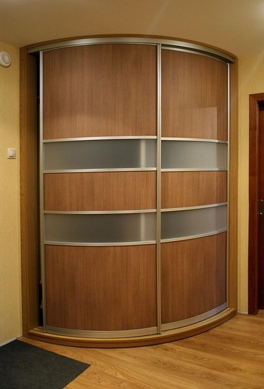 Встроенный угловой шкаф купе в интереьре 15