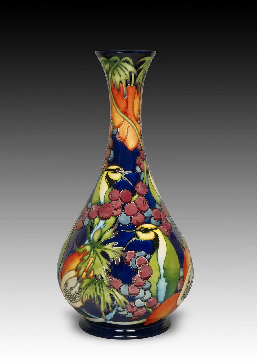 Стеклянная ваза - изысканное украшение к празднику  1