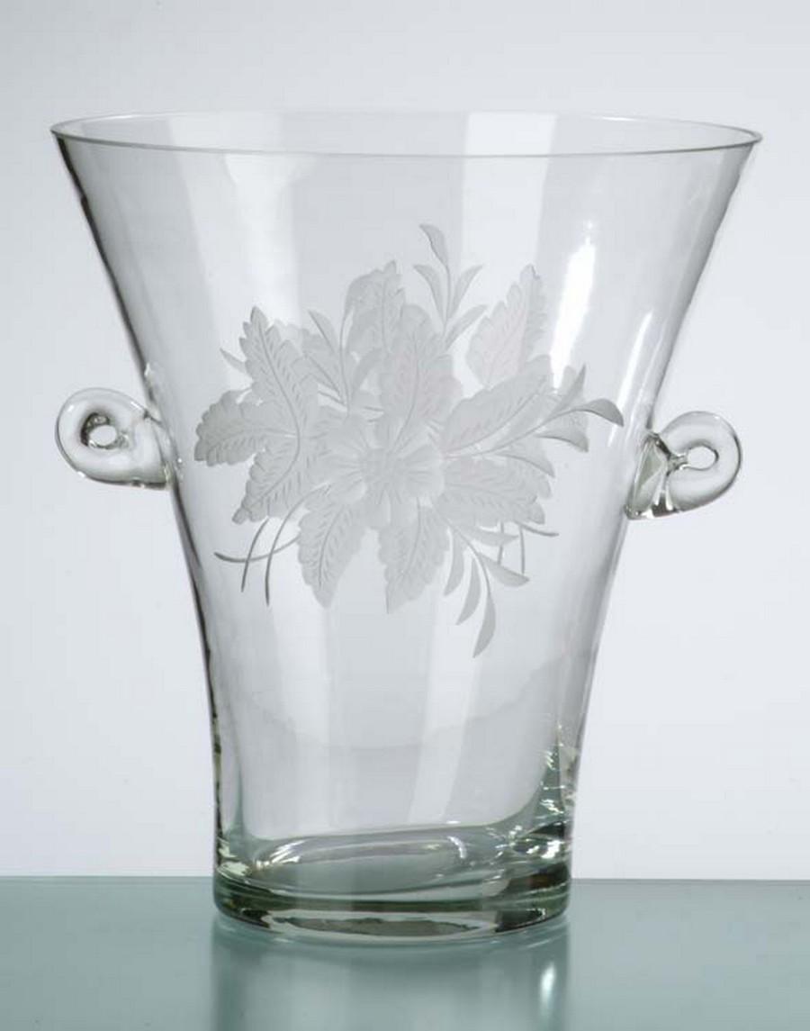 Стеклянная ваза - изысканное украшение к празднику  19